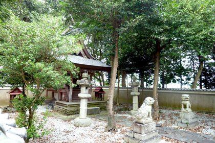 御霊神社 二見 社(右)