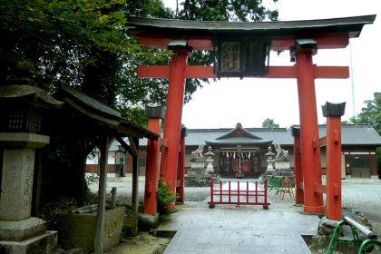 御霊神社 黒駒 入口
