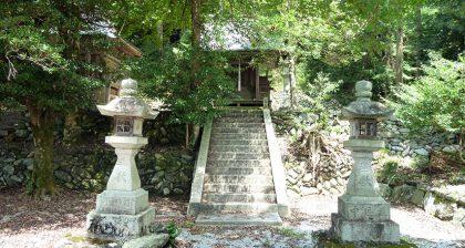 御霊神社 南阿田(階段)