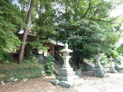 御霊神社 南阿田(燈篭)