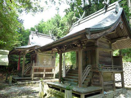 御霊神社 南阿田(右:八幡神社)