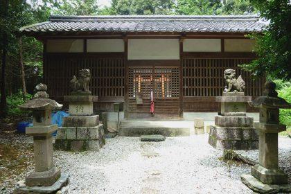 御霊神社 六倉(拝殿)