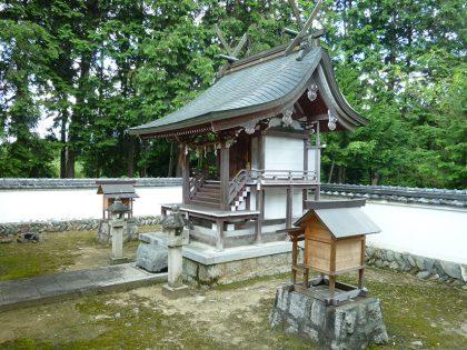 火雷神社 御山 本殿(左)