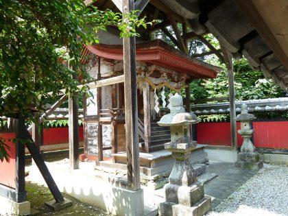 龍池神社 三在 本殿右