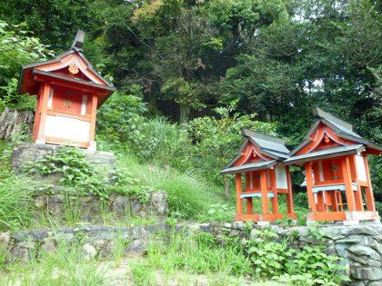 八坂神社 畑田 小祠:中央部分